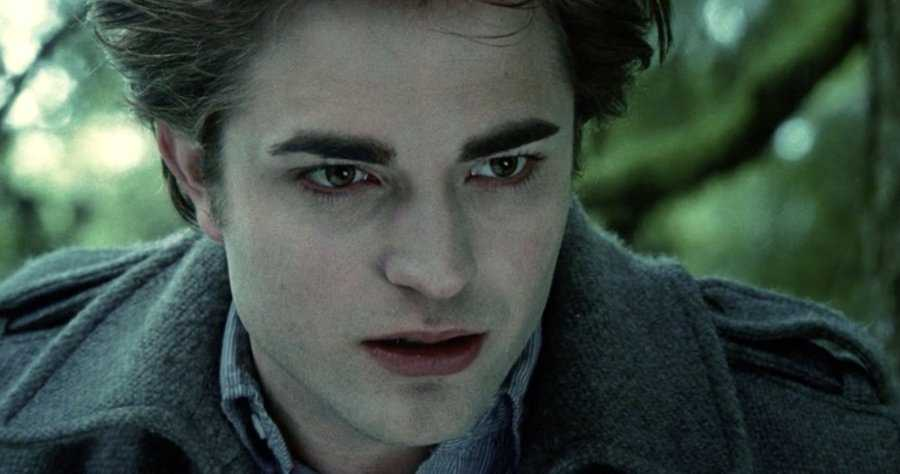 Robert Pattinson Nearly Got Fired From 'Twilight' for Overdoing the  Brooding | Moviefone