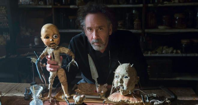 """Tim Burton on the set of """"Miss Peregrine's Home for Peculiar Children"""""""