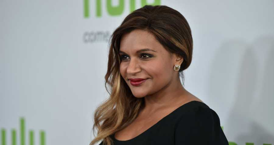 Mindy Kaling Gives Ocean S Eight Update Talks Intimidating Cast Moviefone