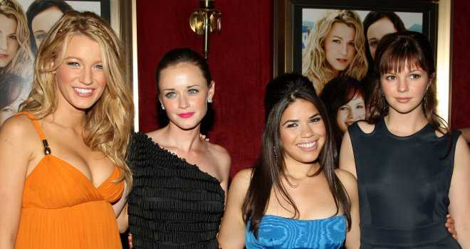 "Premiere Of ""The Sisterhood Of The Traveling Pants 2"" - Inside Arrivals"