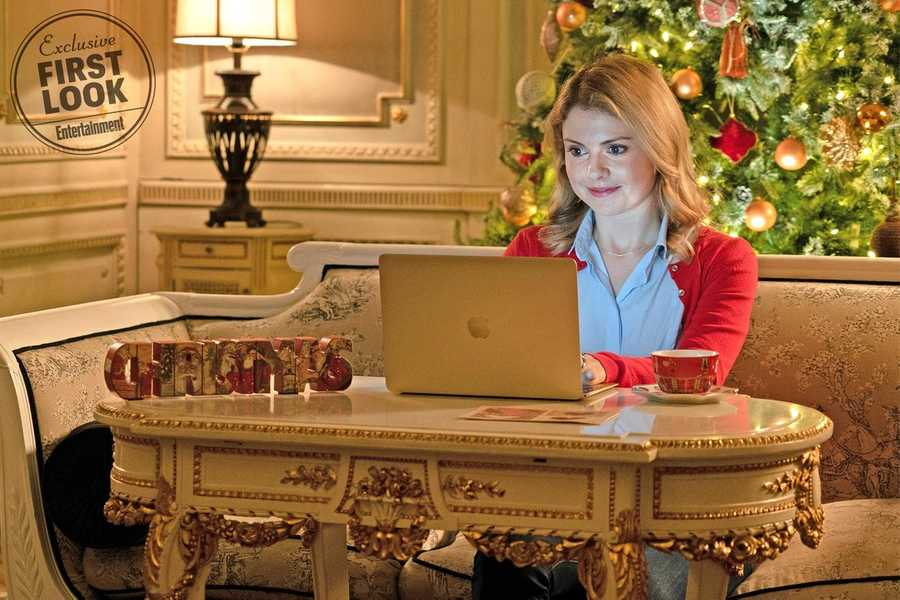 Netflix Shares First Photos From Three 2018 Christmas Movies   Moviefone
