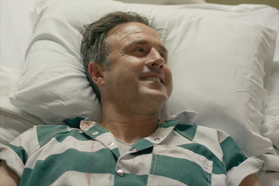 Watch David Arquette in an exclusive clip from '12 Hour Shift'