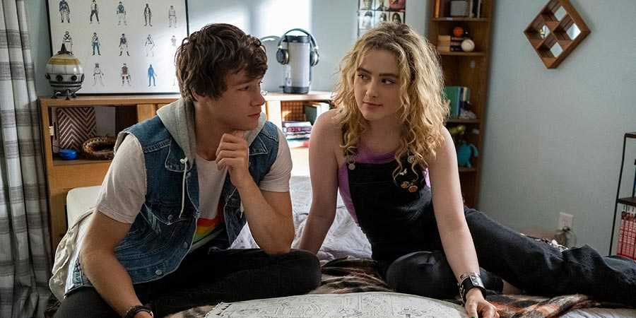 Kyle Allen and Kathryn Newton in 'The Map of Tiny Perfect Things'