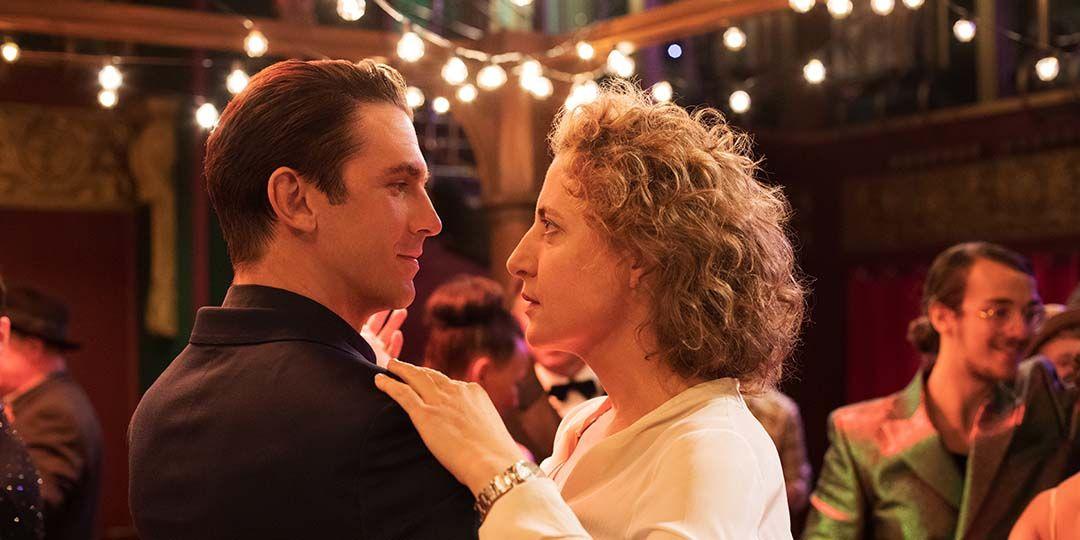 Dan Stevens (L) and Maren Eggert (R) in 'I'm Your Man'