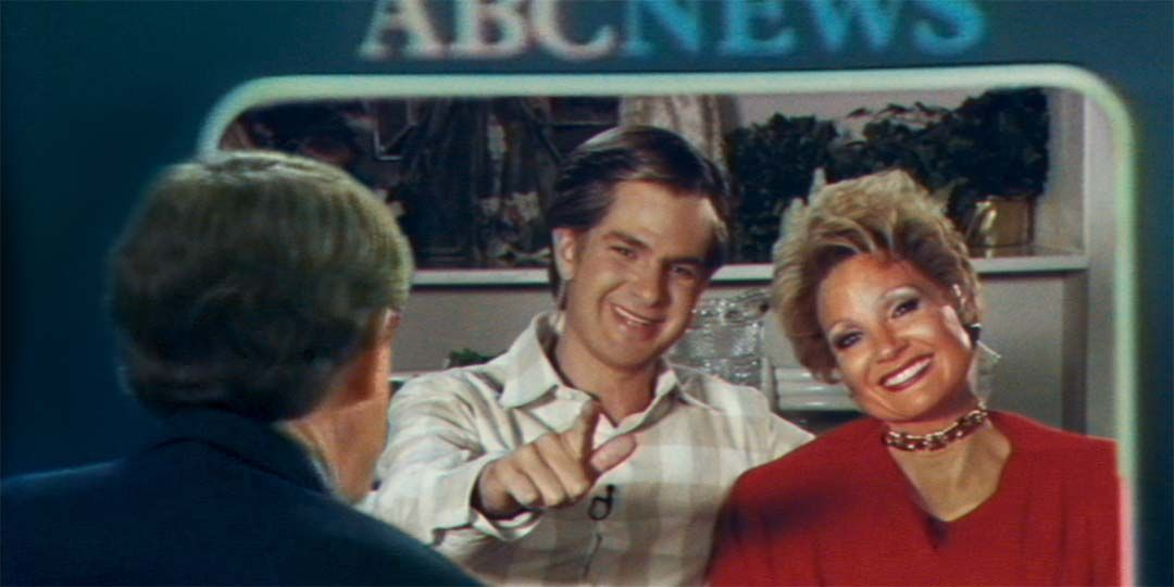 Andrew Garfield and Jessica Chastain as Jim & Tammy Faye Bakker in 'The Eyes of Tammy Faye'