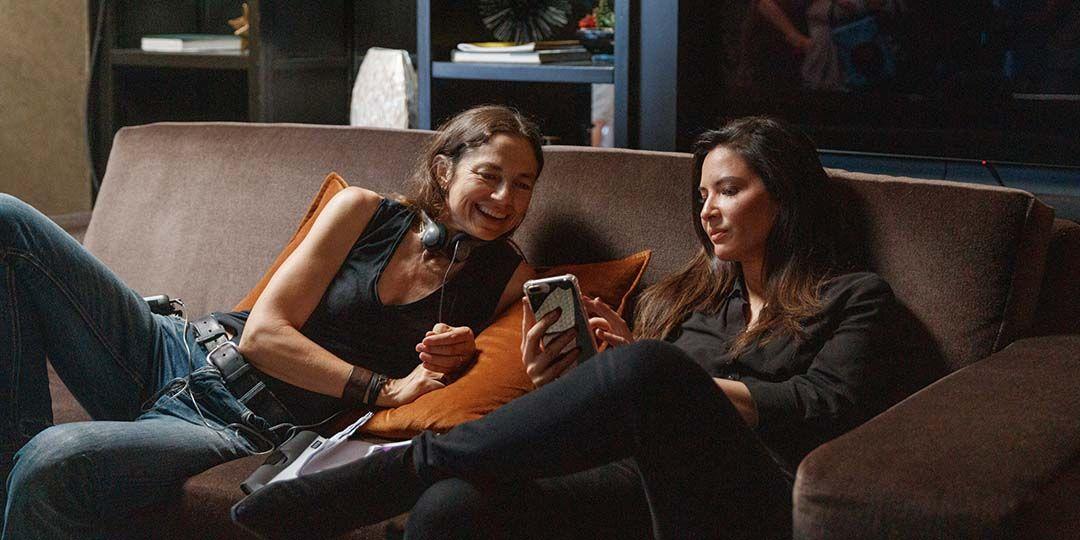 Director Justine Bateman and actor Olivia Munn on the set of 'Violet'